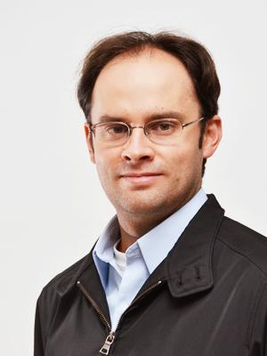 Dr. Arturo Aguilar